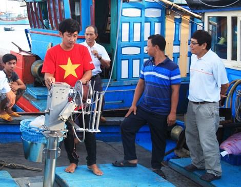 Bốn chuyên gia Nhật cùng ngư dân ra khơi bắt cá ngừ - 2