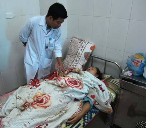 Việt kiều tại Lào vượt 200km cứu đồng hương gặp nạn - 1