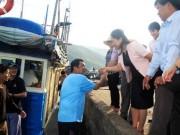 Thị trường - Tiêu dùng - Bốn chuyên gia Nhật cùng ngư dân ra khơi bắt cá ngừ