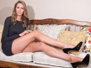 Cuộc sống người mẫu có đôi chân dài nhất nước Mỹ