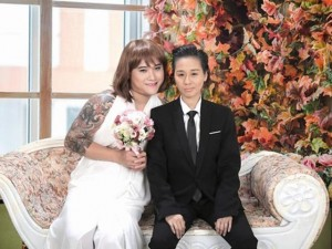 """Ảnh cưới """"ngược đời"""" của vợ chồng Vũ Duy Khánh"""