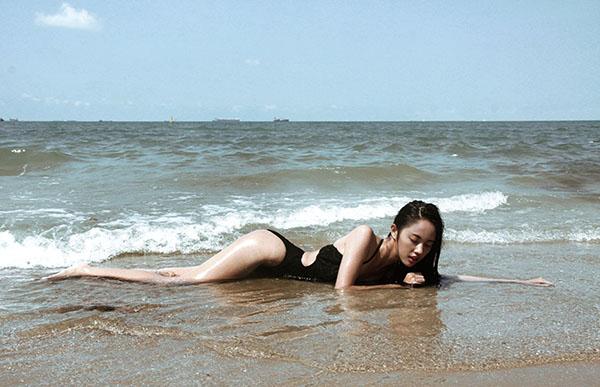 """Bật mí về nàng mẫu """"nấm lùn"""" của Vietnam Fashion Week - 4"""
