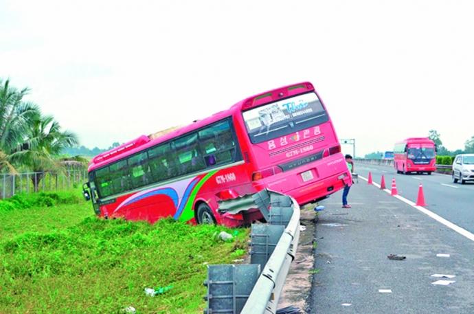 Không giảm tốc độ tối đa cao tốc TP HCM - Trung Lương - 1