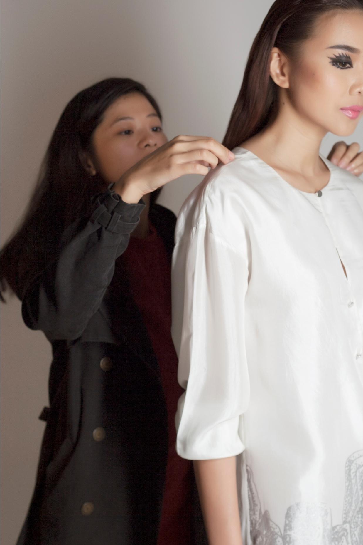 Thanh Hằng lạnh lùng trong hậu trường buổi chụp ảnh - 4