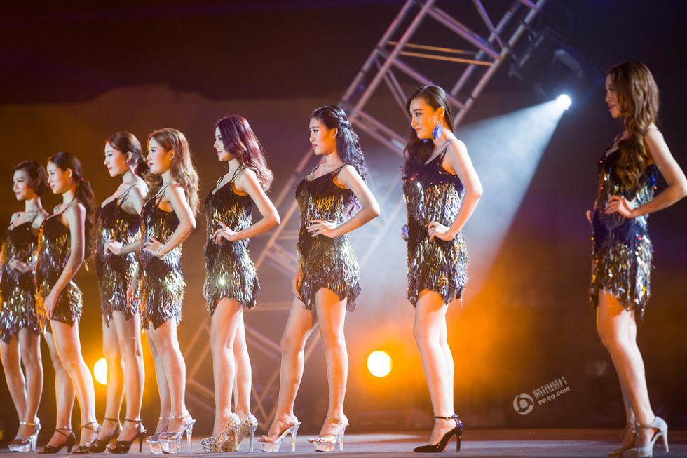 Hành trình nữ sinh 9X nâng vòng 1 thi Hoa hậu Ngực đẹp - 2