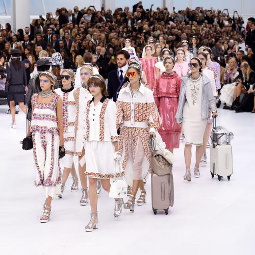 """Chanel """"chơi sang"""" với sân bay to đẹp giữa lòng Paris - 4"""