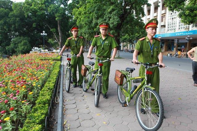 HN: Cấp thêm 40 xe đạp đặc chủng cho CA tuần tra phố cổ - 1