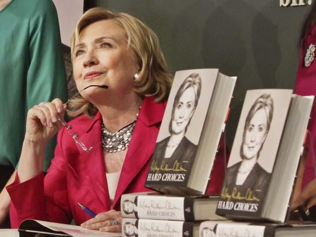 Ứng viên TT Mỹ Hillary Clinton tặng hồi ký cho các đối thủ - 1