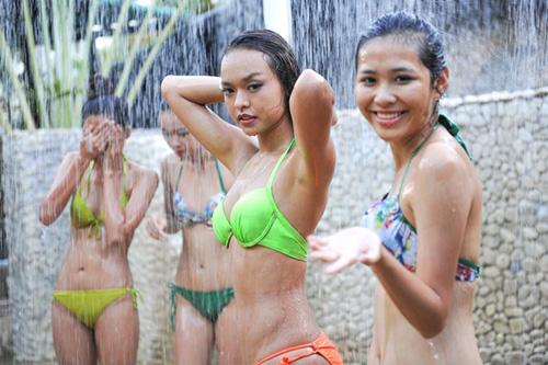 Thân hình gợi cảm của 4 nàng vận động viên thi hoa hậu - 1