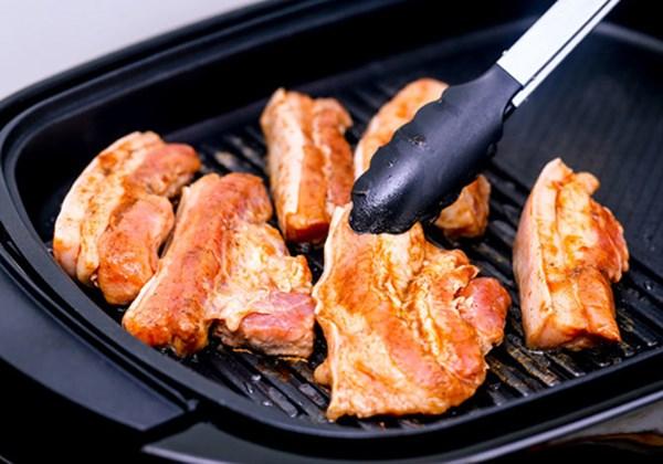 6 loại thực phẩm là 'thuốc độc' khi ăn tái hoặc sống - 3