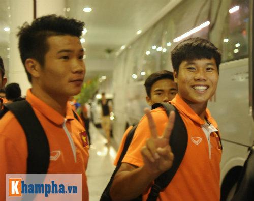 U19 Việt Nam cười hết cỡ ngày trở về - 2
