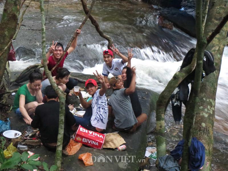 Xuyên rừng khám phá suối Tranh Phú Quốc đẹp như mơ - 5
