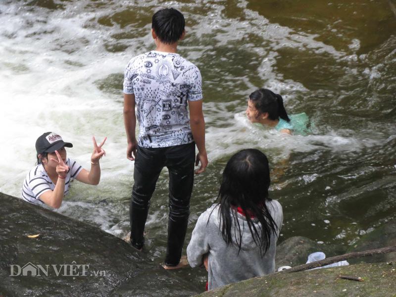 Xuyên rừng khám phá suối Tranh Phú Quốc đẹp như mơ - 6