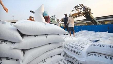 Việt Nam ký bán khoảng 1 triệu tấn gạo - 1