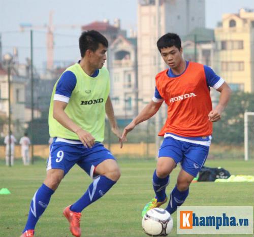 Đội hình Việt Nam đấu Iraq: Công Phượng đá hộ công? - 1