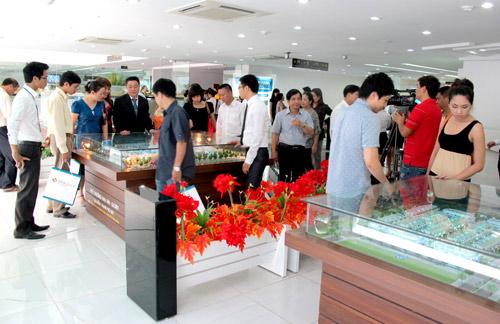 STDA tặng 130 iPhone 6S cho khách hàng giao dịch trong tháng 10 - 1