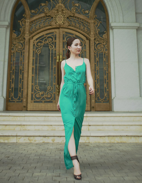 Hot girl Thảo Goby khoe lưng trần nõn nà - 5