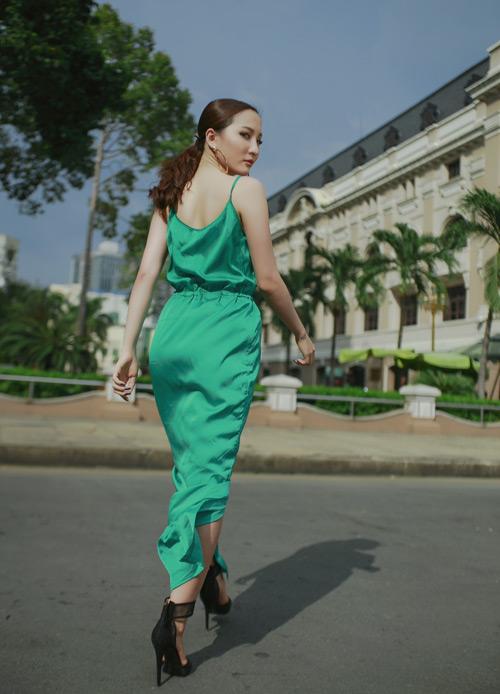 Hot girl Thảo Goby khoe lưng trần nõn nà - 6