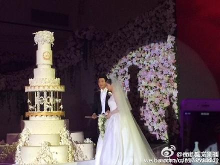 Hôn lễ Huỳnh Hiểu Minh, Angelababy ngập tràn nước mẳt hạnh phúc - 17