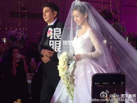 Hôn lễ Huỳnh Hiểu Minh, Angelababy ngập tràn nước mẳt hạnh phúc - 29