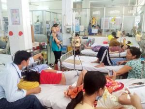 Tin tức trong ngày - Trẻ mắc sốt xuất huyết có ảnh hưởng đến trí não?