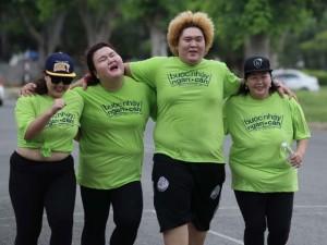 """Mặt sau cánh gà - Thí sinh """"Bước nhảy ngàn cân"""" vất vả chạy bộ 5km"""