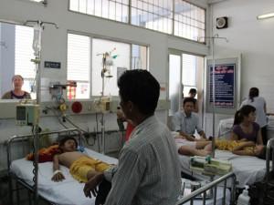 """Tin tức trong ngày - """"Căng mình"""" chống dịch sốt xuất huyết"""