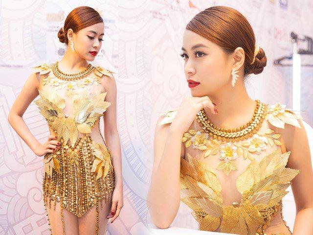 """Hoàng Thùy Linh quyến rũ với váy xuyên thấu """"dát vàng"""""""