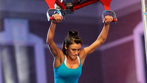 Clip triệu lượt share: Nữ VĐV vào CK Ninja Mỹ gây ''bão'' - 2