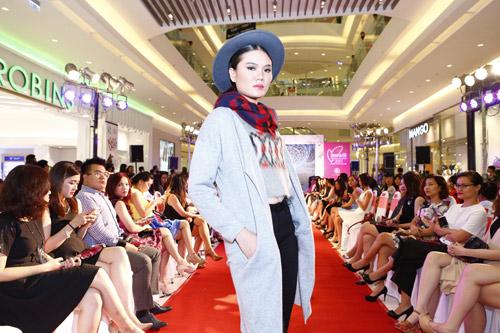 """Graphic in Fashion"" gây ấn tượng tại Cosmopolitan Beauty Awards 2015 - 9"