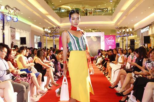 """Graphic in Fashion"" gây ấn tượng tại Cosmopolitan Beauty Awards 2015 - 1"