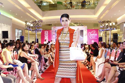 """Graphic in Fashion"" gây ấn tượng tại Cosmopolitan Beauty Awards 2015 - 3"