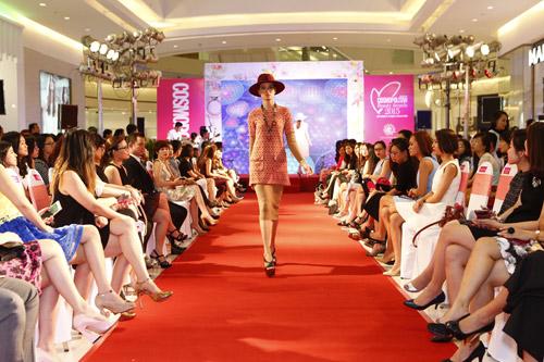 """Graphic in Fashion"" gây ấn tượng tại Cosmopolitan Beauty Awards 2015 - 5"
