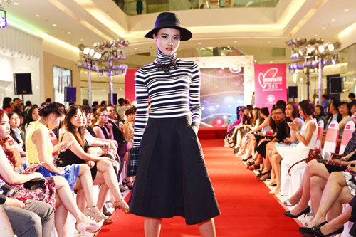 """Graphic in Fashion"" gây ấn tượng tại Cosmopolitan Beauty Awards 2015 - 7"