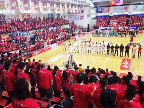 Fans Việt tiếp cận thể thao phong cách Mỹ - 2