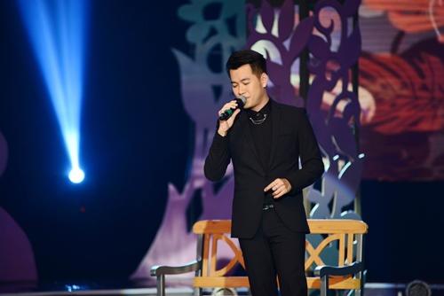 Quang Linh nắm tay tình tứ với Lệ Quyên trên sân khấu - 6