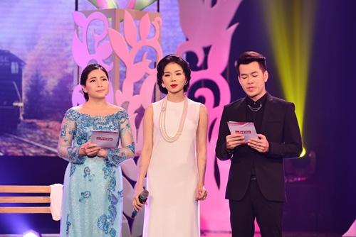 Quang Linh nắm tay tình tứ với Lệ Quyên trên sân khấu - 7