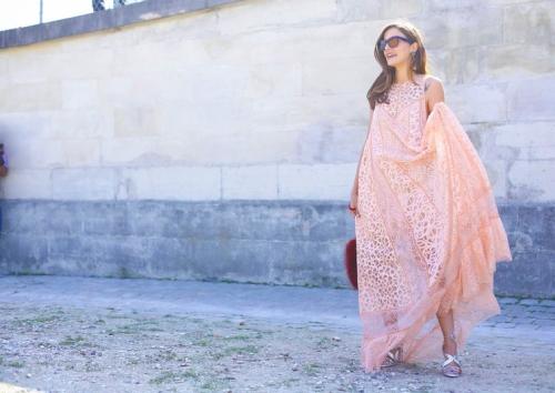 Ngắm tín đồ đẹp lộng lẫy giữa nắng vàng Paris - 1
