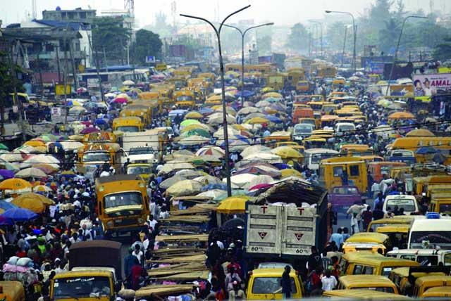 Hình ảnh tắc đường khủng khiếp trên thế giới - 9