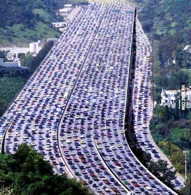 Hình ảnh tắc đường khủng khiếp trên thế giới - 5