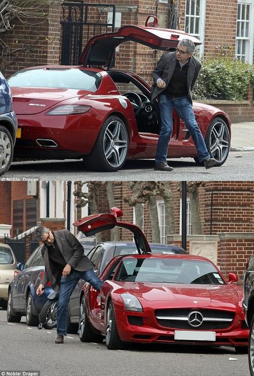 """Tình yêu xe hơi và đam mê đua xe tốc độ của """"Mr.Bean"""" - 4"""