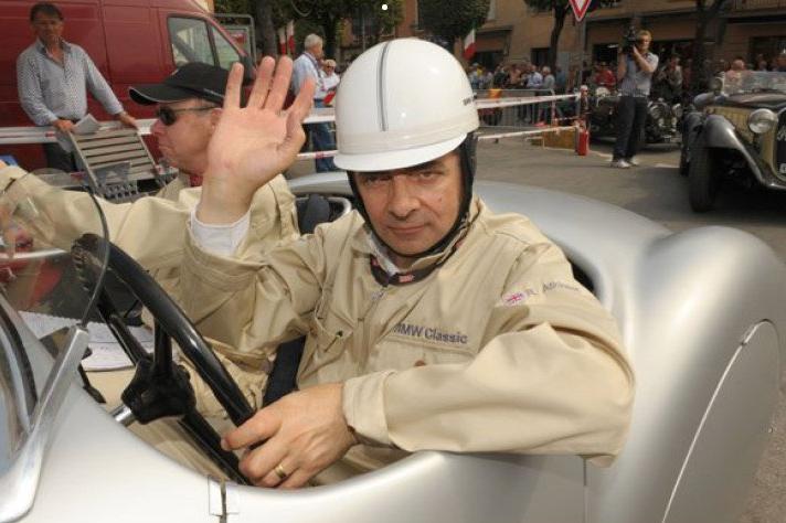 """Tình yêu xe hơi và đam mê đua xe tốc độ của """"Mr.Bean"""" - 13"""