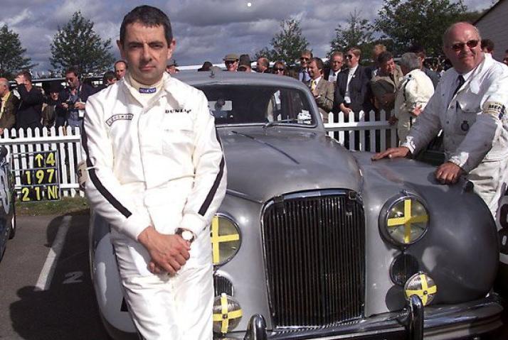 """Tình yêu xe hơi và đam mê đua xe tốc độ của """"Mr.Bean"""" - 11"""