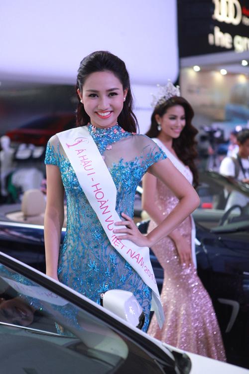 Phạm Hương, Kỳ Duyên xuất hiện bên dàn xế hộp bạc tỷ - 5