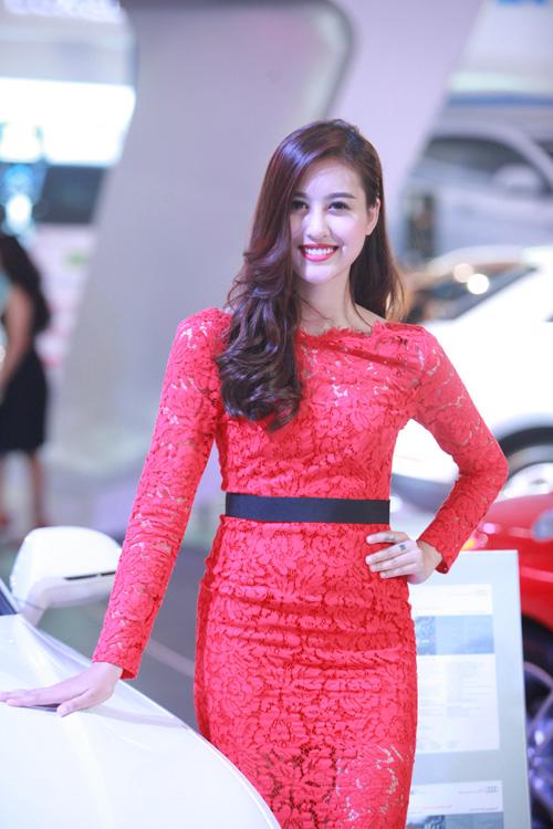 Phạm Hương, Kỳ Duyên xuất hiện bên dàn xế hộp bạc tỷ - 11