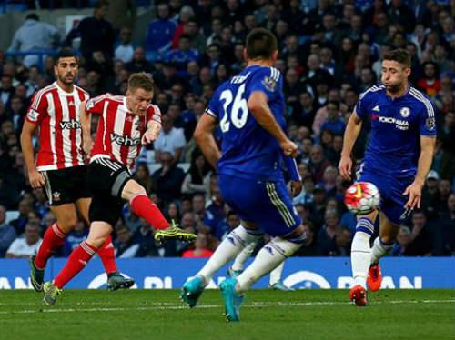 Chelsea: Bão chưa tan, lốc lại tới - 3