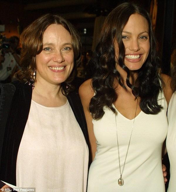 Căn nhà thơ ấu của Angelina Jolie định giá 2 triệu USD - 2