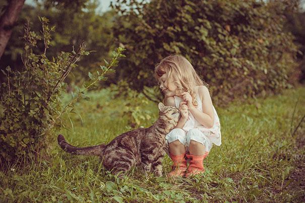 20 bức ảnh chứng tỏ bé nên có một bạn mèo - 11
