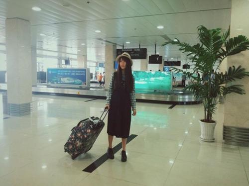"""""""Soi"""" thời trang của hot girl Việt ở sân bay đông đúc - 14"""