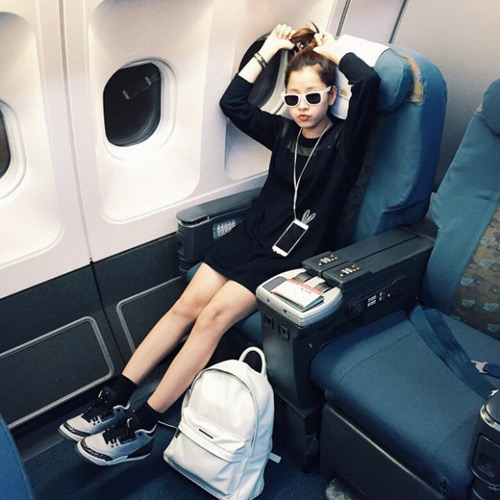 """""""Soi"""" thời trang của hot girl Việt ở sân bay đông đúc - 4"""